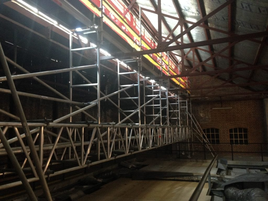 newcastle museum 12.5m canterlevered aluminium mobile scaffold to replace windows